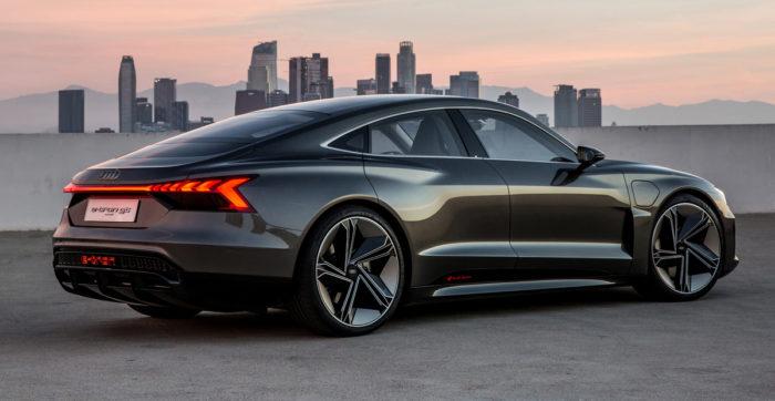 Электрический кроссовер Audi e-tron GT