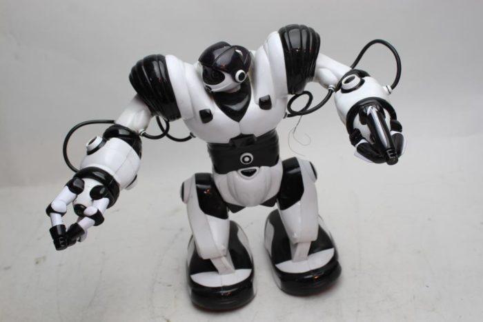 Wowwee mini robosapien