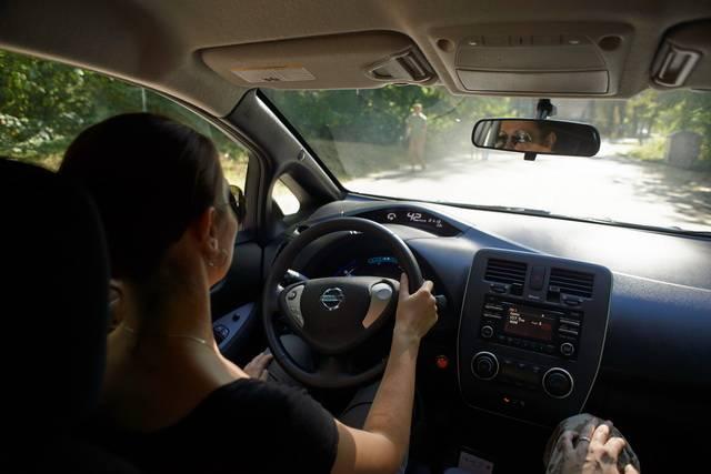 Nissan Leaf за рулем