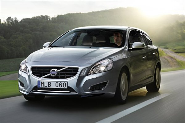 дизельный гибрид Volvo V60