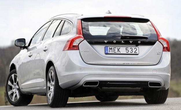 дизельный гибрид Volvo V60 экстерьер