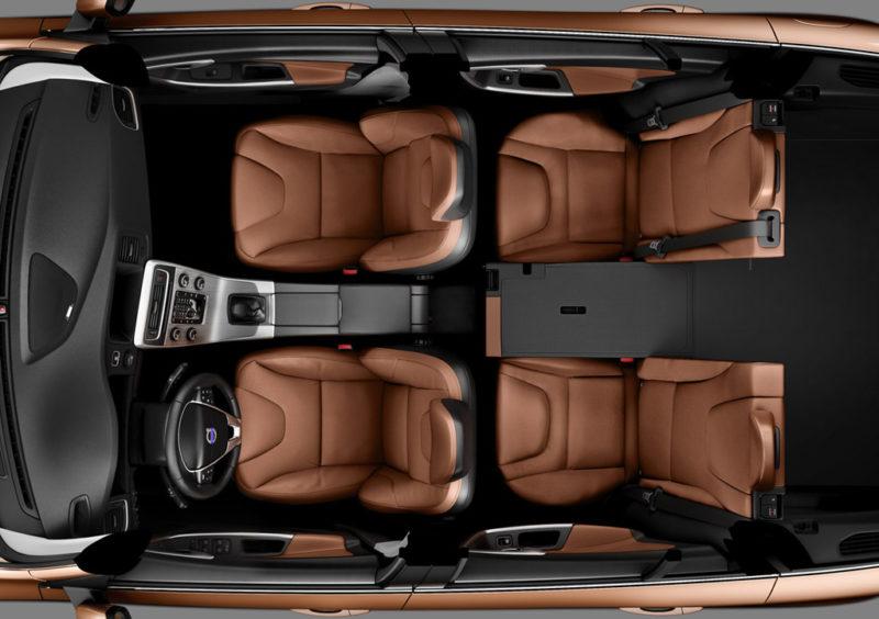 дизельный гибрид Volvo V60 интерьер