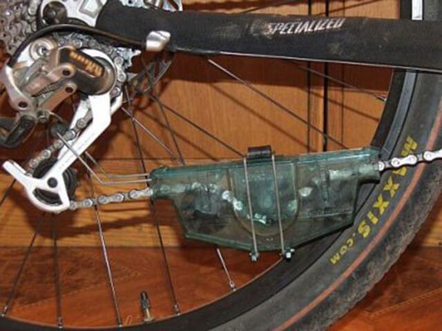 Принцип действия машинки для чистки цепи велосипеда